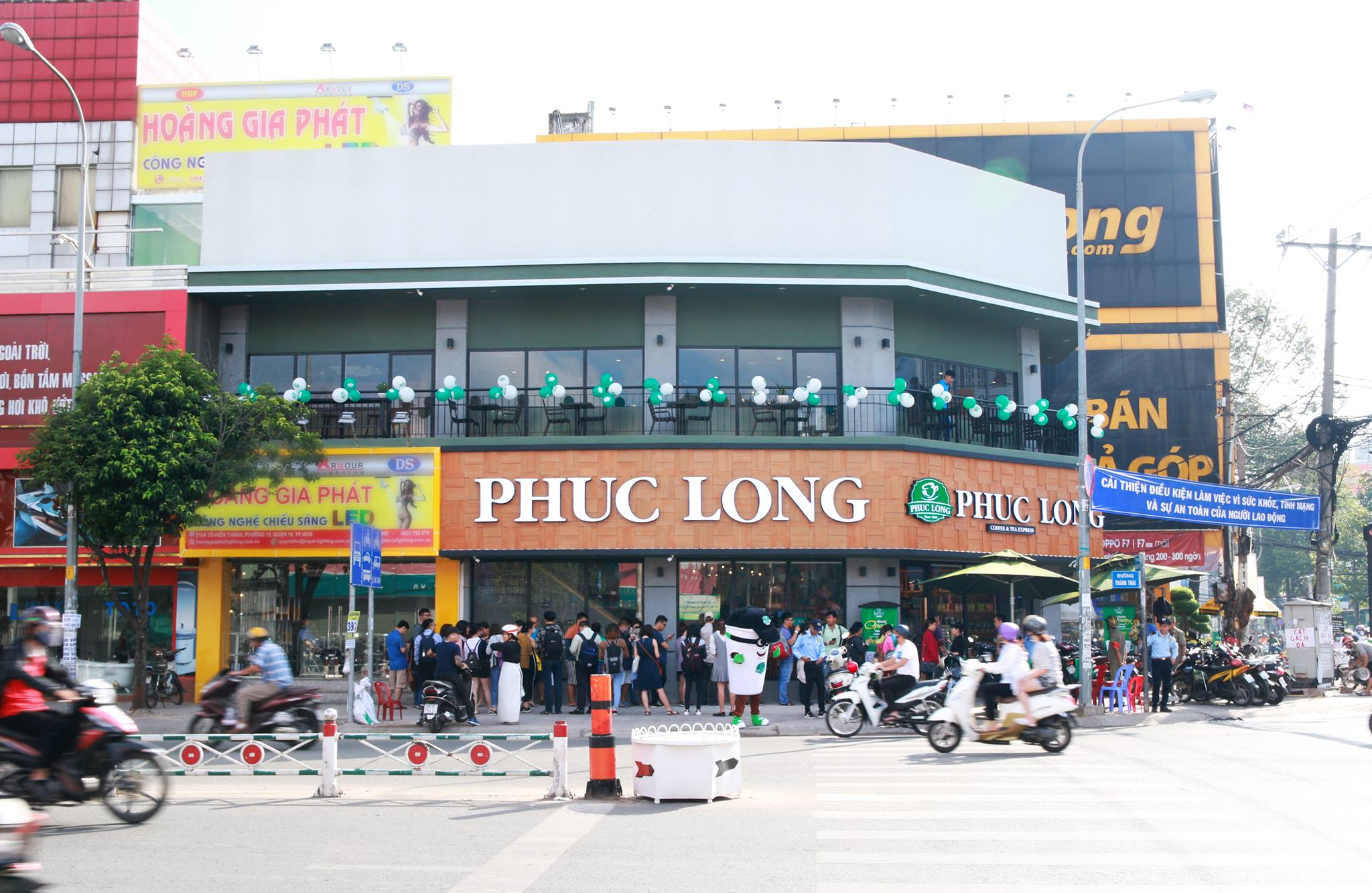 Grand opening Phuc Long To Hien Thanh